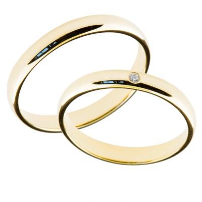 Forlovelsesringer gifteringer i gult gull 1x0,01 diamant ca. 3mm