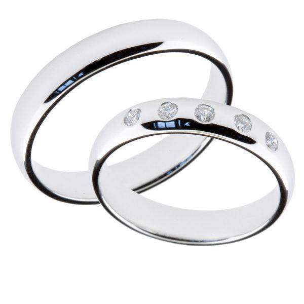 Forlovelsesringer gifteringer hvitt gull 5x0,02 diamant ca. 4 mm